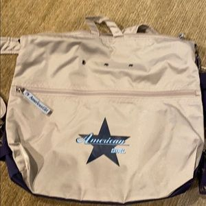 💼American Girl Convertible Shoulder Bag/Backpack